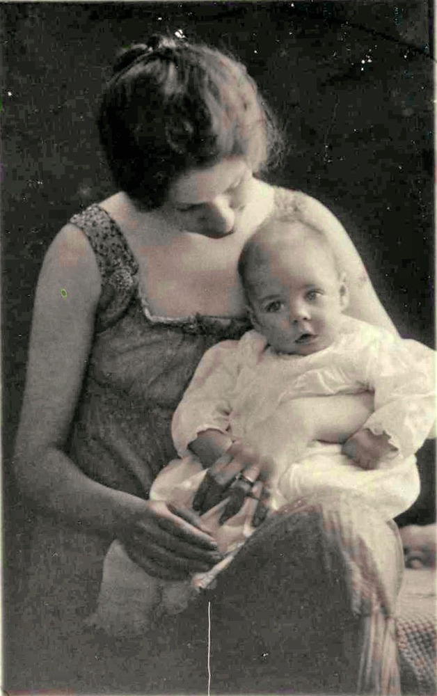 Foote and his mother in 1917.