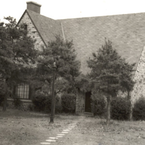 Zeta_sorority_lodge_c1950.JPG