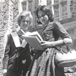 Fashion_1964_women_standing_outside_Burrow