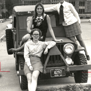 Fashion_1969_girls_sitting_on_car
