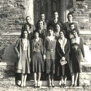 Fashion_1929_Life_students_outside