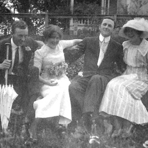 FashionHistory_1914_gordon_pg29_couples