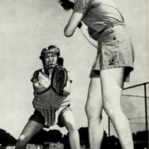 Fashion_1950_life_women_softball