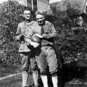 Image3_Gordon_military_uniforms.jpg
